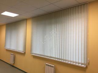 Вертикальные жалюзи на два окна